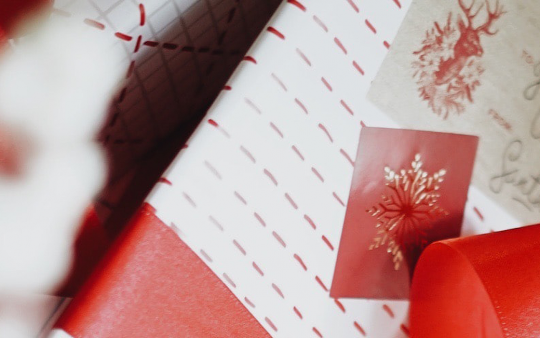 Give Branded Christmas Gifts To Your Staff